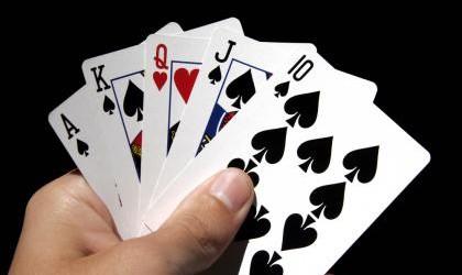 """Il video poker è un gioco che amo alla follia. Ci sono così tante varianti e così tanti modi di giocare! Se siete dei """"novizi"""", dovete sapere quanto valgono le […]"""